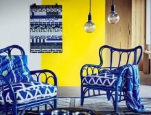 zils krēsls ar spivenu